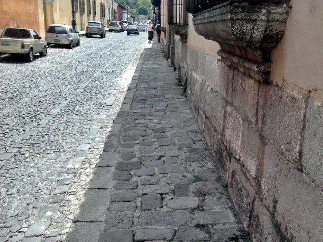 Cobblestone sidewalks have become quite rare in Antigua